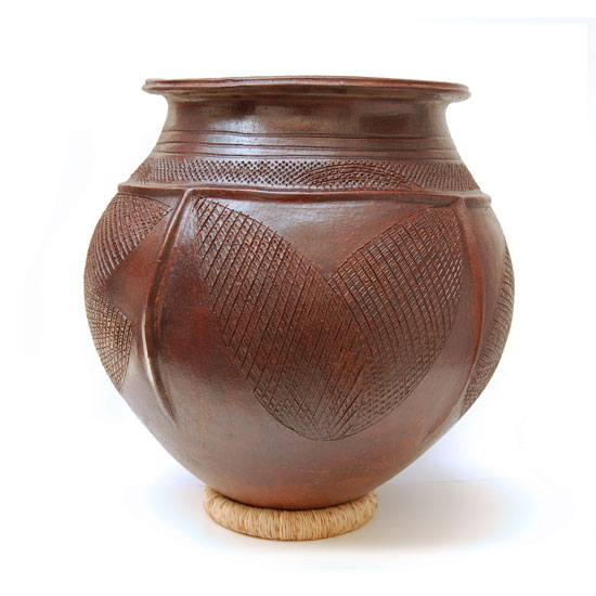 Large African Clay Pot (Nupe) – Double Leaf Motif