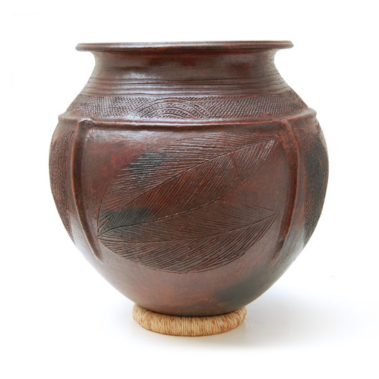 Large African Clay Pot – Leaves & Dots Motif