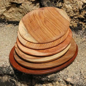 mixed-solid-wood-plates-trays-4_masterpiece-art-gallery_afrimod