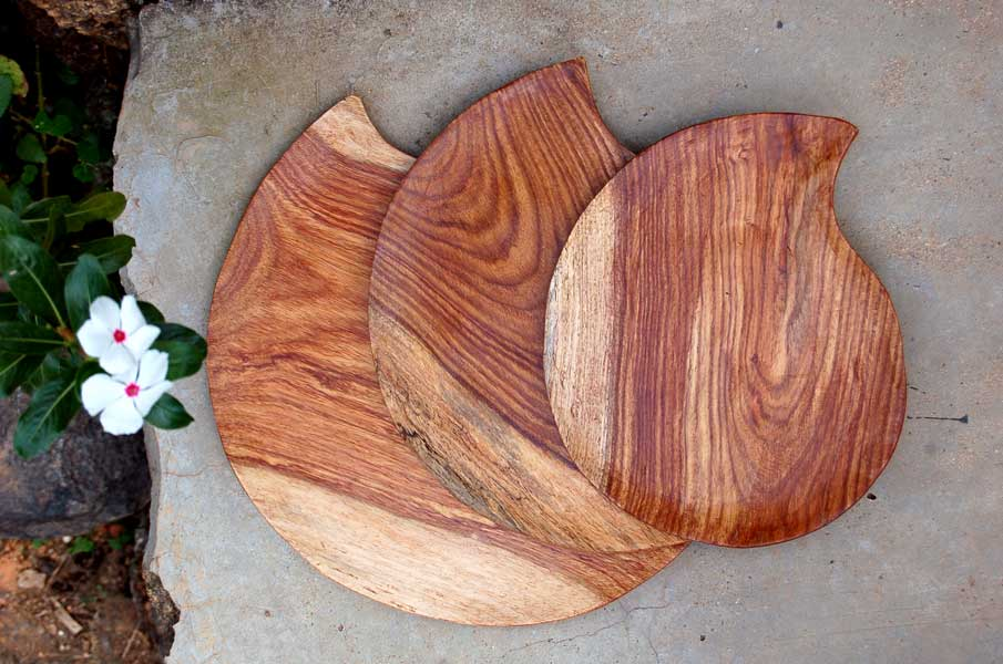 Rosewood Teardrop/Paisley-Shaped Plates (set of 3)