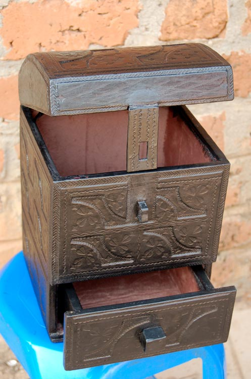 Leather Jewelry Box – (jewelry or cigar storage)