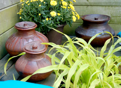 Summer Deck and Patio Design: African Pottery in the Garden
