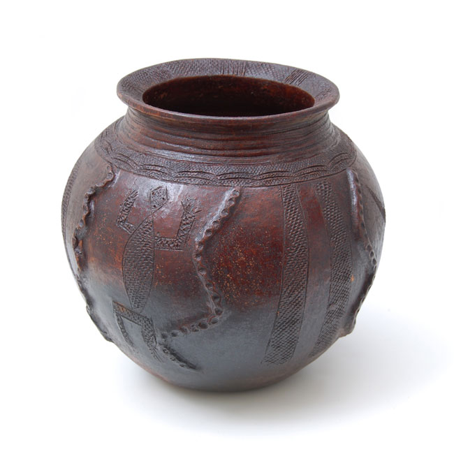 Nupe Pot – Hand-Etched with Snake & Lizard Motif