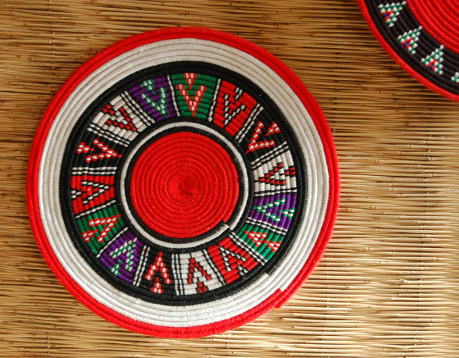 African flat basket ~ bold wall decor (~11.5in)