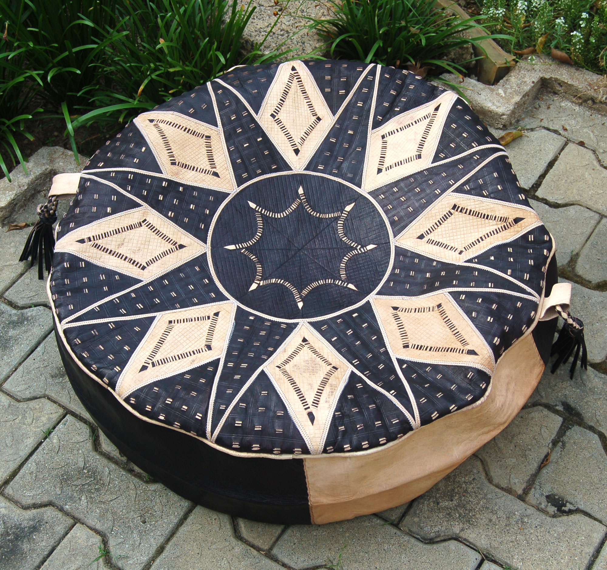 Bello (Round) – Hausa Leather Pouf