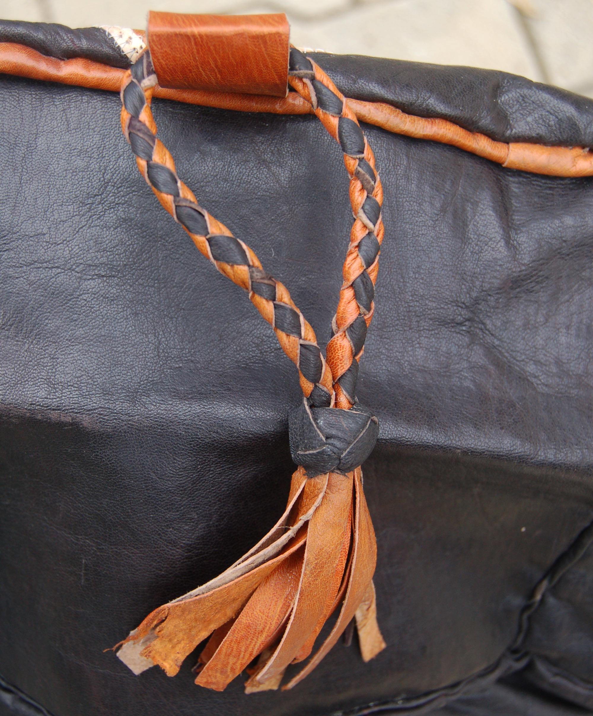 Flora (Round) – Hausa Leather Pouf