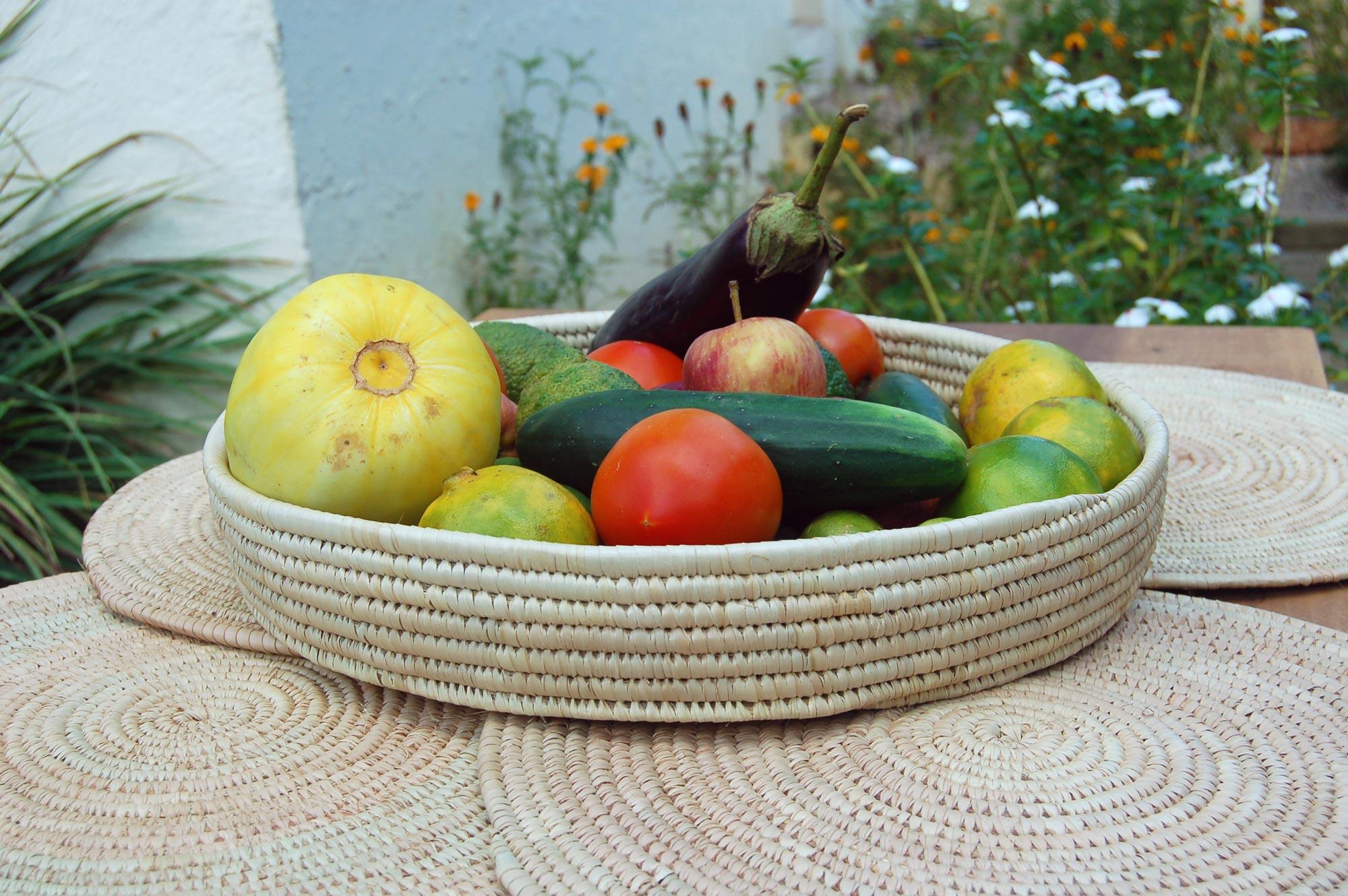 Basket Platter with 4 Nested Flat Baskets