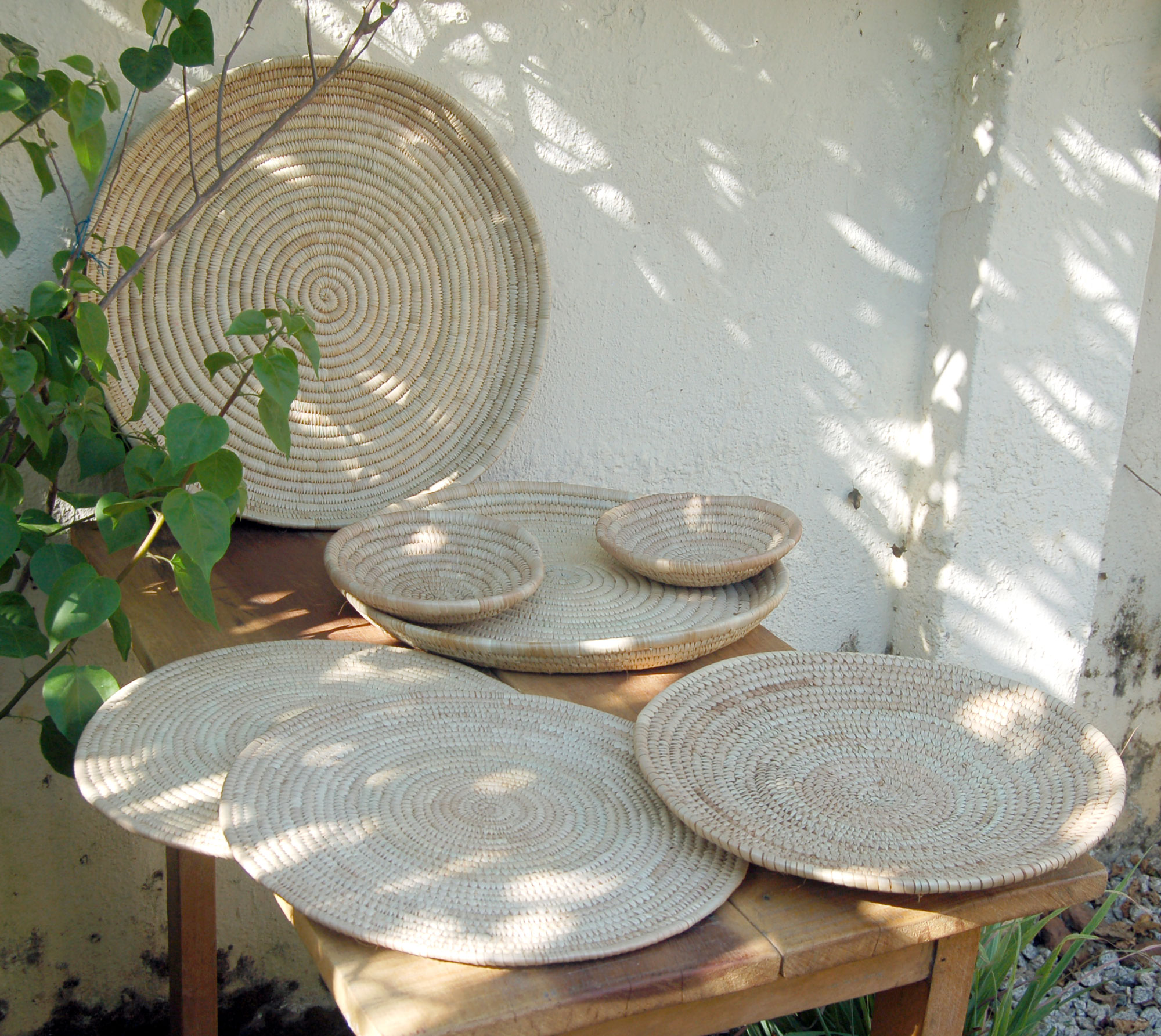 7-Piece Handwoven Serving & Entertaining Tabletop Basket Set – Neutral